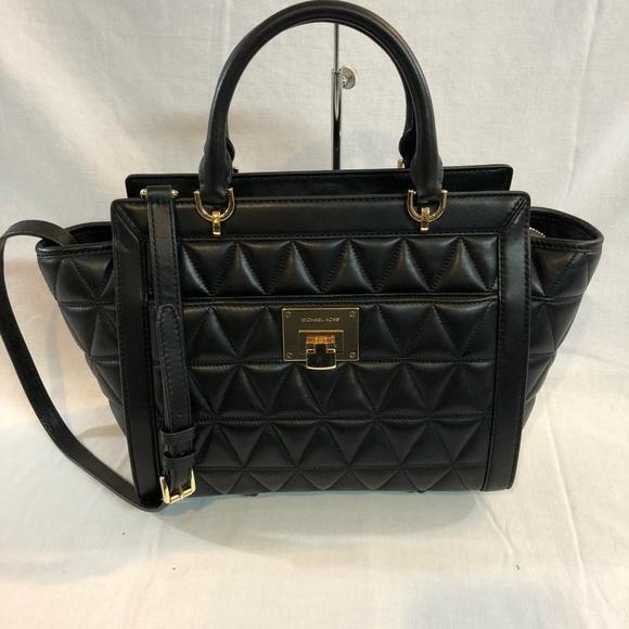 2247ef675f403 Michael Kors Vivianne quilted Bag