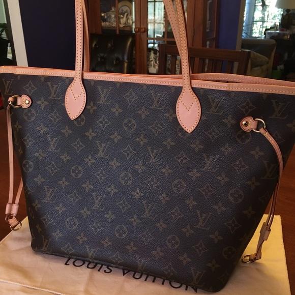 Louis Vuitton Handbags - Louis Vuitton neverfull MM monogram authentic 7c6858b346