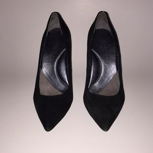 Kenneth Cole Silver Edition Pump