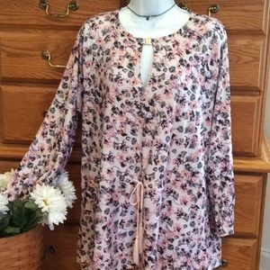 Lolo Lucy Floral Tunic NWT