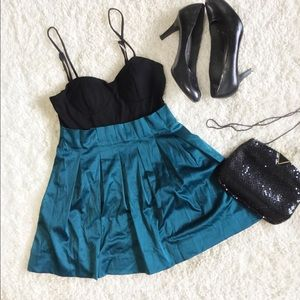 Forever 21 Metallic Green Holiday Dress, Medium