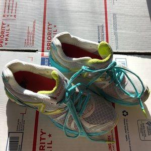 👟New Balance Revlite running shoe barely worn