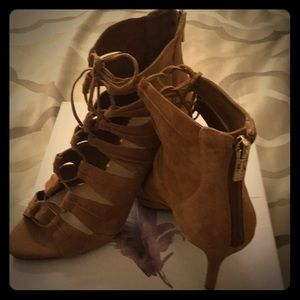 Size 8M Tan Suede Shoes