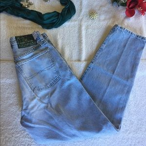 Lucky Brand Women's Blue Distressed Jeans  Size 8