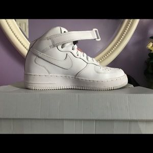 Nike Air Force 1 mids