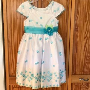Other - Girls formal dress in turquoise. Size 7. NWOT.