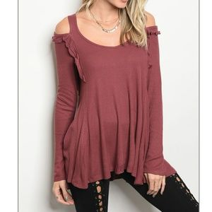 Tops - 💖Long sleeve cold shoulder top