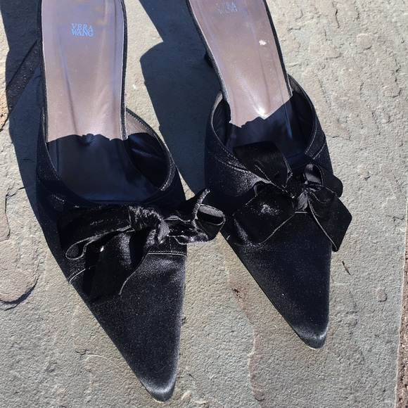 Vera Wang Satin Bow Mules clearance 100% guaranteed cheap sale store cheap sale perfect clearance find great under $60 for sale NHH2pN