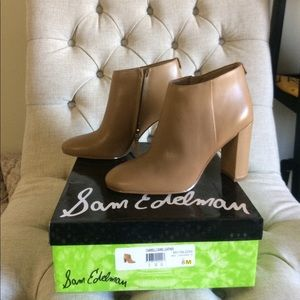 New Sam Edelman leather beige ankle bootie