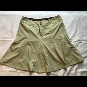Athleta Swing skirt with built in shorts