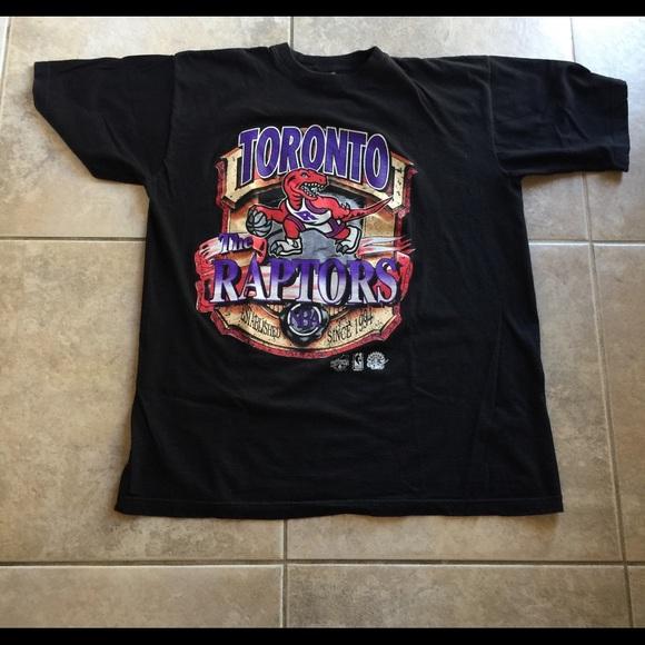 c28374de7 Vintage Toronto Raptors T-Shirt. M 5a171d9e713fdedc08037322