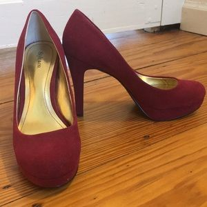 Maroon pumps