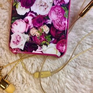 Kate spade iPhone case and earphone set