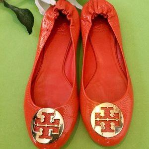 ⚜️Orange Patented Leather Tory Burch Flats⚜️