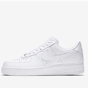 Nike Air Force 1 • NIB