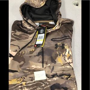 Under Armour Men's camo hunting hoodie