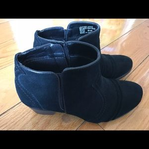 Shoes - Black ankle boots, Earth Origins by Earth