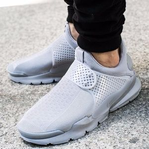 Men's Nike Sock Dart (Size 12)