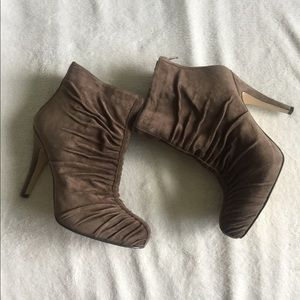 [Nine West] Brown Leather Booties
