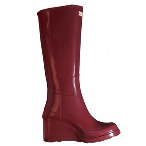 Hunter Gloss Red Wedge Boots