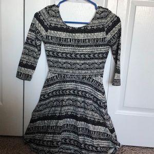 Black and white flowy dress!