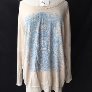 Chaser: Off White and Blue Hamsa Hand L/S