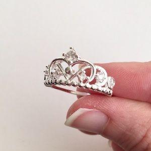 Silver Crown Ring w Rhinestones Size 7