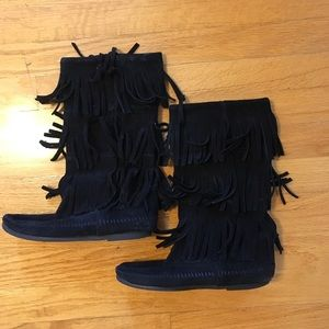 Shoes - Moccasin style black boots