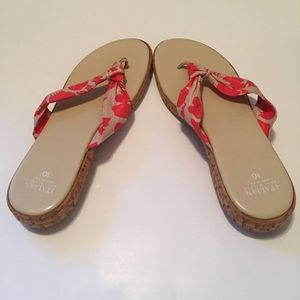 ITALIAN SHOEMAKERS Thong Sandal 10 Coral Cream