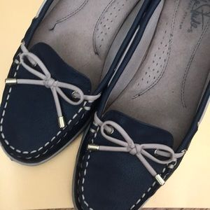 Life Stride Boat Shoes