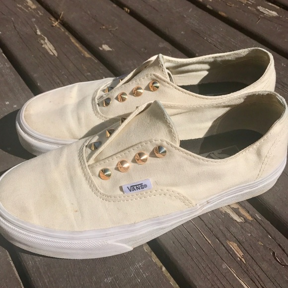 9e747e16c79504 Off White Slip On Vans With Gold Studs. M 5a172f6fd14d7bf91103a4c1