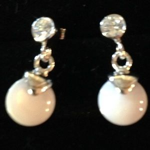 Jewelry - Sterling Silver Mother of Pearl Earrings