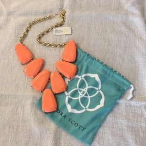 Kendra Scott Harlow Necklace in Coral