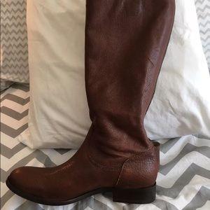 melissa button back zip Frey boot in dark brown