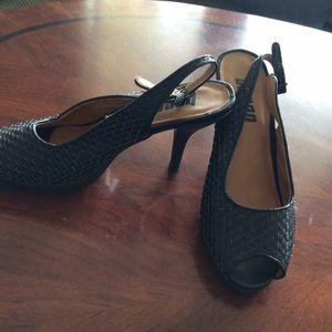 Bongo black weave sandals