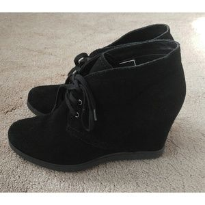 Dolce Vita Black Wedge Suede Booties Boots 10