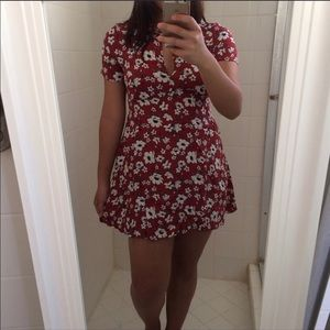 Forever 21 Red Maroon floral keyhole mini dress M