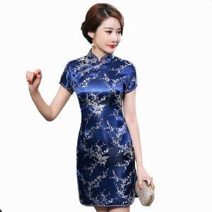 Traditional Chinese Satin Dress - Jin yue fu shi
