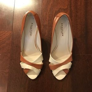 Reaction by Kenneth Cole wedge heels