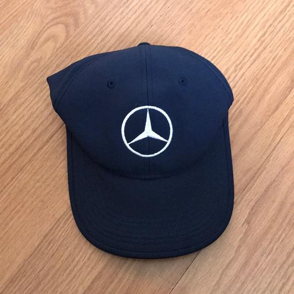 6ecbcb92e65e9 NWOT Nike Golf Mercedes Emblem Cap. M 5a1744896d64bc9a1603e59c