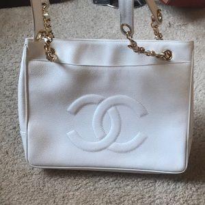 Chanel caviar leather vintage handbag 100% real