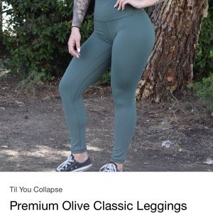 Till you collapse leggings in Small