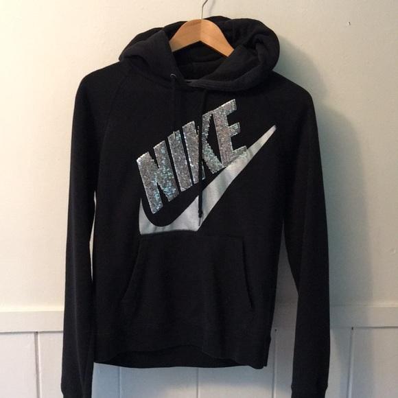 959c30ac3bd3 Nike hoodie with bling! M 5a1745b66802786d4b03e29b