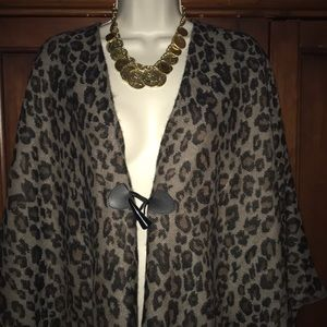 Leopard hound tooth closure shawl one sz fits all