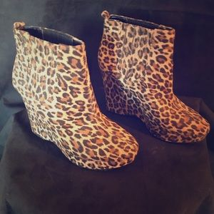 BCBG Generation Leopard Wedge Booties Size 8