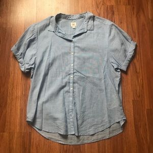 GAP Blue Short Sleeve Button Down Top