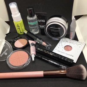 Grande Makeup Bundle