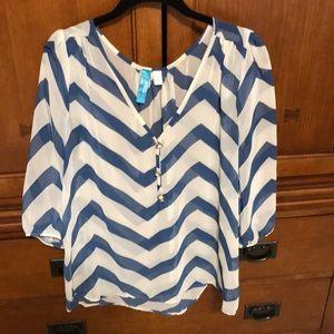 Buttons blue & white chevron blouse