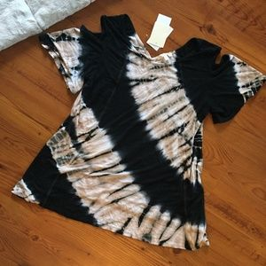NWT Ava James Cold Shoulder Tie Dye Top Size Small