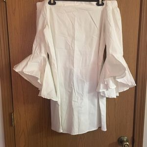 Off the shoulder white dress! Size medium! NWT